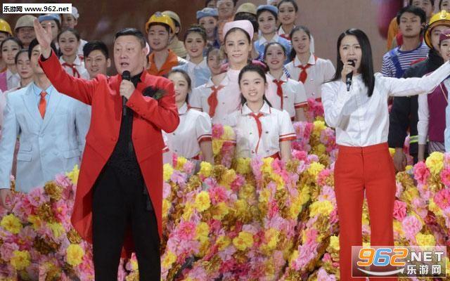 韩磊,谭维维合唱《不忘初心》