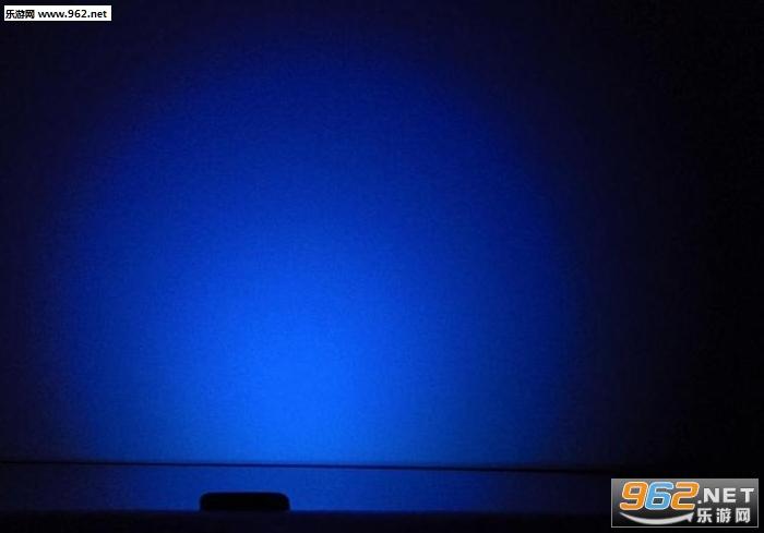 夜间彩虹灯手电筒应用v3.8_截图0