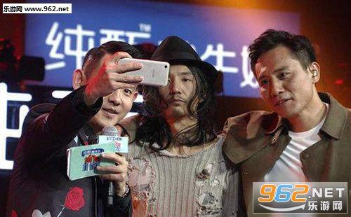 刘烨朴树合唱达尼亚视频