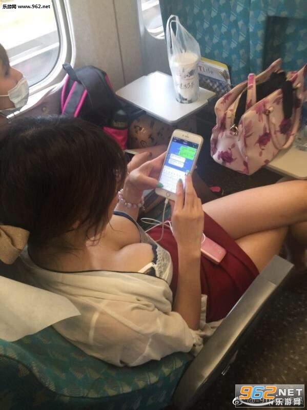 搞笑囧图(8月6号)现在的高铁真小气 都不给开冷气吗