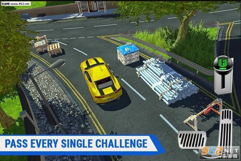 1、游戏的画面还是非常棒的,3D效果做的也挺不错的,这个大型的停车场里道路非常的复杂,障碍也挺多的,还有各种不同的线路组合; 2、多种不同的汽车可以选择,跑车,卡车,房车等等都可以在这里找到,尤其是驾驶巨型车辆的时候一定要小心,道路可不会根据你车辆的大小变宽; 3、操作还算比较简单的,在档位上还加入了倒挡,切换倒挡的时候视觉也会发生改变,方便以精准的角度进入更小的弯道或者躲过障碍。